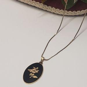 Elegant Vintage Black & Gold tone Floral Necklace